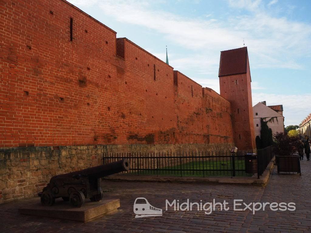 リガ 観光 旧市街城壁